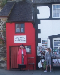 The Smallest House in Britain - Conwy